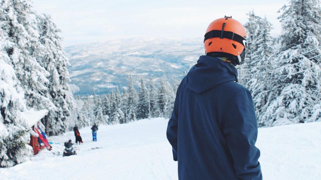 スノーボードの持ち物リストにGoProを。